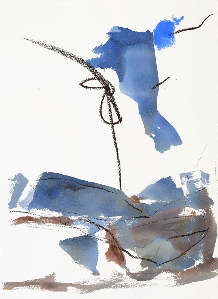 Aquarell einer abstrahierten Landschaft mit fliegender Form & kräftigem Kreideknoten vor weißem Grund in Blau- & Brauntönen