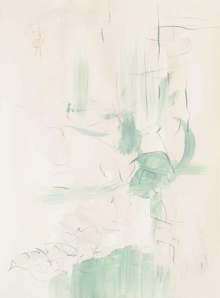 grüne Pinselspuren bilden mit grauen Kreidelinien eine Steigung im abstrahierten Raum, dazu kontrastieren zartrote Linien